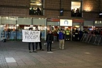 İslam Karşıtı Pegida, İsveç'te fena rezil oldu...
