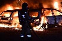 İsveç'te 16 otomobil kundaklandı