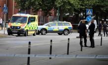 İsveç'te kamyonun çarptığı kadına yardım etmek yerine, millet videosunu çekti