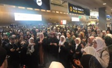 İsveç'ten Umreciler Kutsal Topraklara Dualarla Uğurlandı