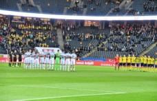 İsveç'te vefat eden Gençlerbirliğinin futbolcusu için saygı duruşu