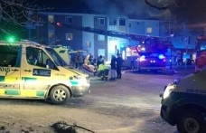 Stockholm'de üç katlı apartmanda yangın