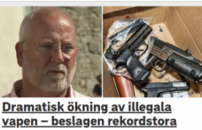 İsveç'te polis 1180 illegal silah ele geçirdi