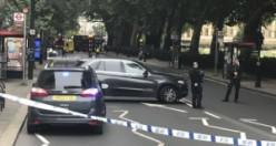 Araç parlamento bariyerlerine çarptı, Londra alarma geçti!