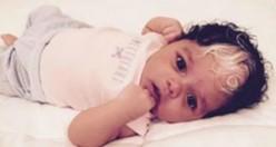Eşsiz Saçlara Sahip Bebek İnternete Çığ Gibi Düştü