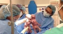 El ele tutuşarak doğan bebekler bakın şimdi ne halde!