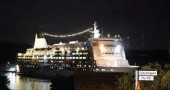 İsveç'te gemi kazası, dev gemi karaya oturdu