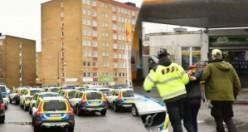 İsveç polisi o bölgeye büyük baskın düzenliyor