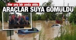 Türkiye'de bir ilçe sele teslim! Köprüler yıkıldı