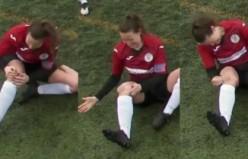 Kadın futbolcu yerinden çıkan diz kapağını yumruklayarak yerine taktı