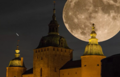 Süper Ay 67 yıl sonra İsveç'ten böyle görüntülendi
