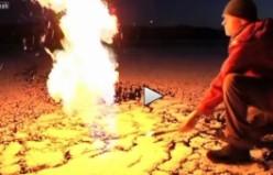 Norveç'te buzların arasından ateş fışkırıyor...VİDEO
