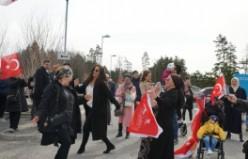 İsveç'te Erdoğan'ın Kazak Hayranları Stockholm'de döktürdü