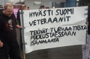 Finlandiya'da göçmenlere ırkçı protesto