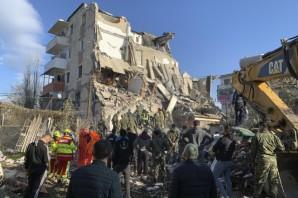 Arnavutluk'ta depremin bilançosu artıyor