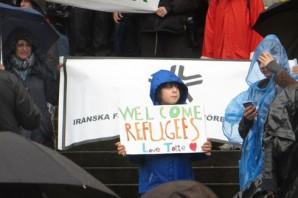 İsveç Mültecileri böyle karşıladı