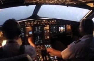 147 yolculu uçağın pilotu havada öldü