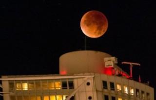 İsveç'te muhteşem kanlı ay tutulması
