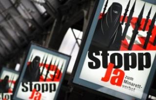 AP'de tanıtıldı: İslamofobiye karşı atılacak...