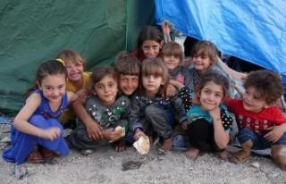 Milyonlarca çocuk ülkelerinden göç etmek zorunda...