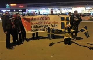 Milli maçta, Kulu'dan İsveç'e pankartlı...
