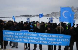 Çin'in Uygur Türklerine yaptığı zulüm Stockholm'de...