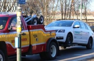 Stockholm'de güvenlik görevlisinin aracını...