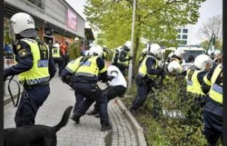 İsveç'te 1 Mayıs'ta polisle ırkçılar...