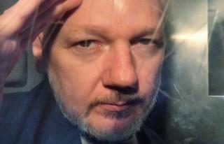 İsveç'ten Assange hakkında yeni tutuklama...