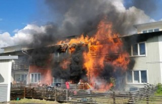 Tullinge'de 4 daire yandı