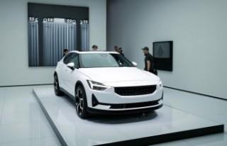 Volvo, elektrikli Polestar 2 modeliyle Tesla'ya...