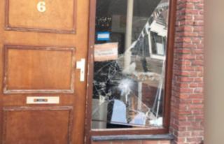 Hollanda ve Almanya'da camilere saldırı