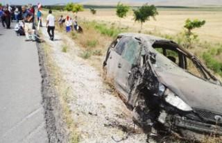 Gurbetçi iki aile kaza yaptı: 1 kişi öldü 12...