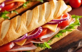 Sandviçi geciktiği için garsonu öldürdü Yazdır...