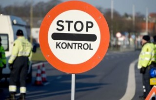 Danimarka, İsveç sınırında geçici kontrol noktaları...