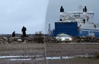 İsveç silahlı kuvvetleri Malmö'deki denizde...