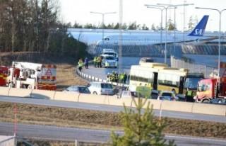 Arlanda yolunda meydana gelen kazada yaralananlardan...