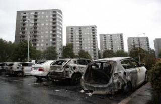 Bir gecede 70 arabayı ateşe vermişti - cezası...