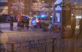 İsveç'te maskeli saldırı - Polis tren seferlerini...