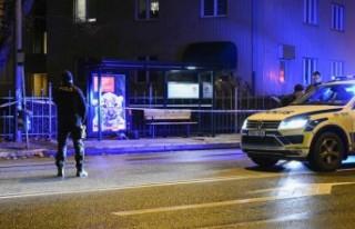 İsveç'te otobüs beklerken saldırıya uğrayan...