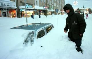 İsveç'te son 21 yılın en yoğun kar yağışı...
