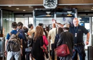 Pasaport kontrol sistemi Arlanda'da kaosa neden...
