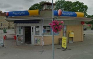 İsveç'te Pressbyrån önünde çıkan çete...