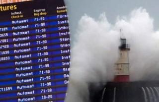 Ciara fırtınası İsveç'teki uçuşları da...