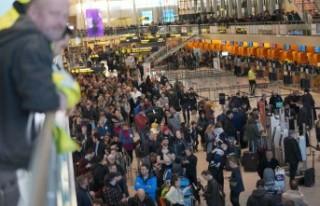 Danimarka diken üstünde: Kopenhag havalimanında...