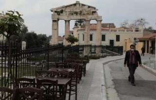 Yunanistan sokağa çıkma yasağı ilan etti