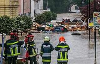 Almanya'da sel felaketi 6 can aldı