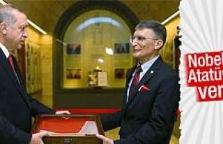 Aziz Sancar Nobel Ödülü'nü Anıtkabir'e...