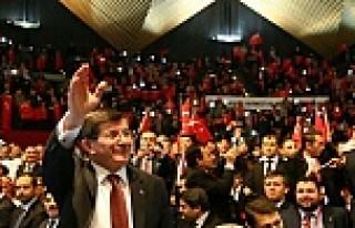 Başbakan Davutoğlu, Berlinde Türklerle buluştu...VİDEO