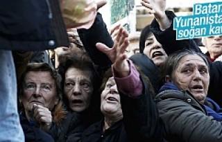 Batan Yunanistan'da halk kuru soğana muhtaç